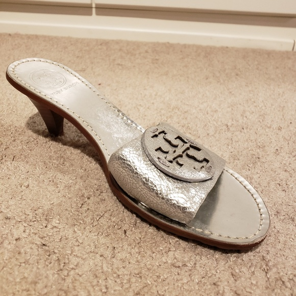 9de9154689c3 Tory Burch Aerin Metallic Silver Heels Slides 8. M 5c05466304e33dfb237e8e06